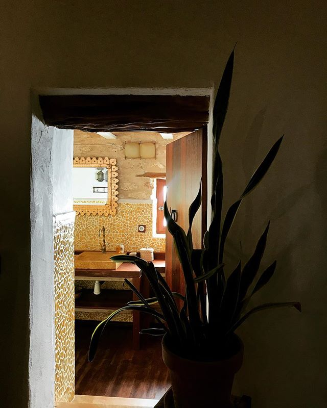 || let in the light || #bathroom #light #interiors #rustic #stylish #vintage #finca #ibicenca #casapayesa #lascicadasibiza #farmhouse #style #ibiza #holidayhome #villarental