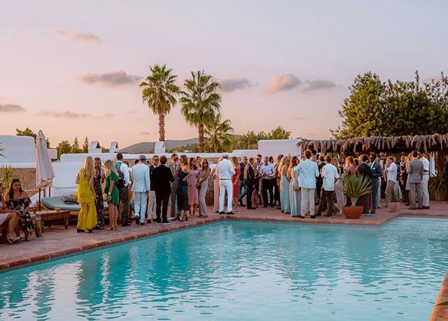 🥂💦 #fancy #summer #celebrations #cocktail #reception #wedding #poolparty #lascicadasibiza #ibiza2018 #boutiquevilla #venue #privateevent #ibizastyle #stylish #summer2018 #cicadascelebrations