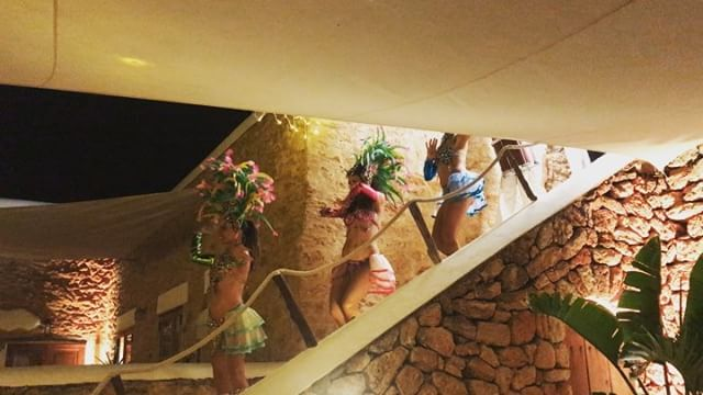 🎊 Samba Spirit 🎊 #privateevent #samba #riodejaneiroinibiza #spectacular #colorful #performance #ibiza #wedding #boutiquevilla #lascicadasibiza 👏🏼👏🏼👏🏼 @ibizacloud9